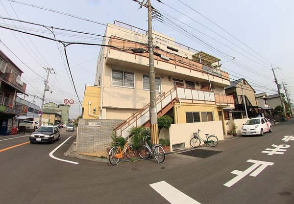 便利な北花田駅より徒歩10分圏内。最上階角部屋です。大阪府堺市北区北花田町4丁