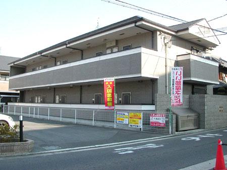 テレビモニターホン付き。キッチンスペースが独立しているのが特徴的。大阪府堺市中区東八田