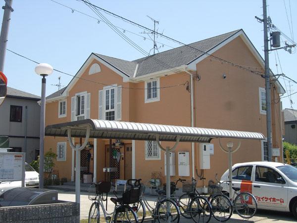 美しい造形のハイツです。階下収納も付いております。大阪府堺市北区金岡町